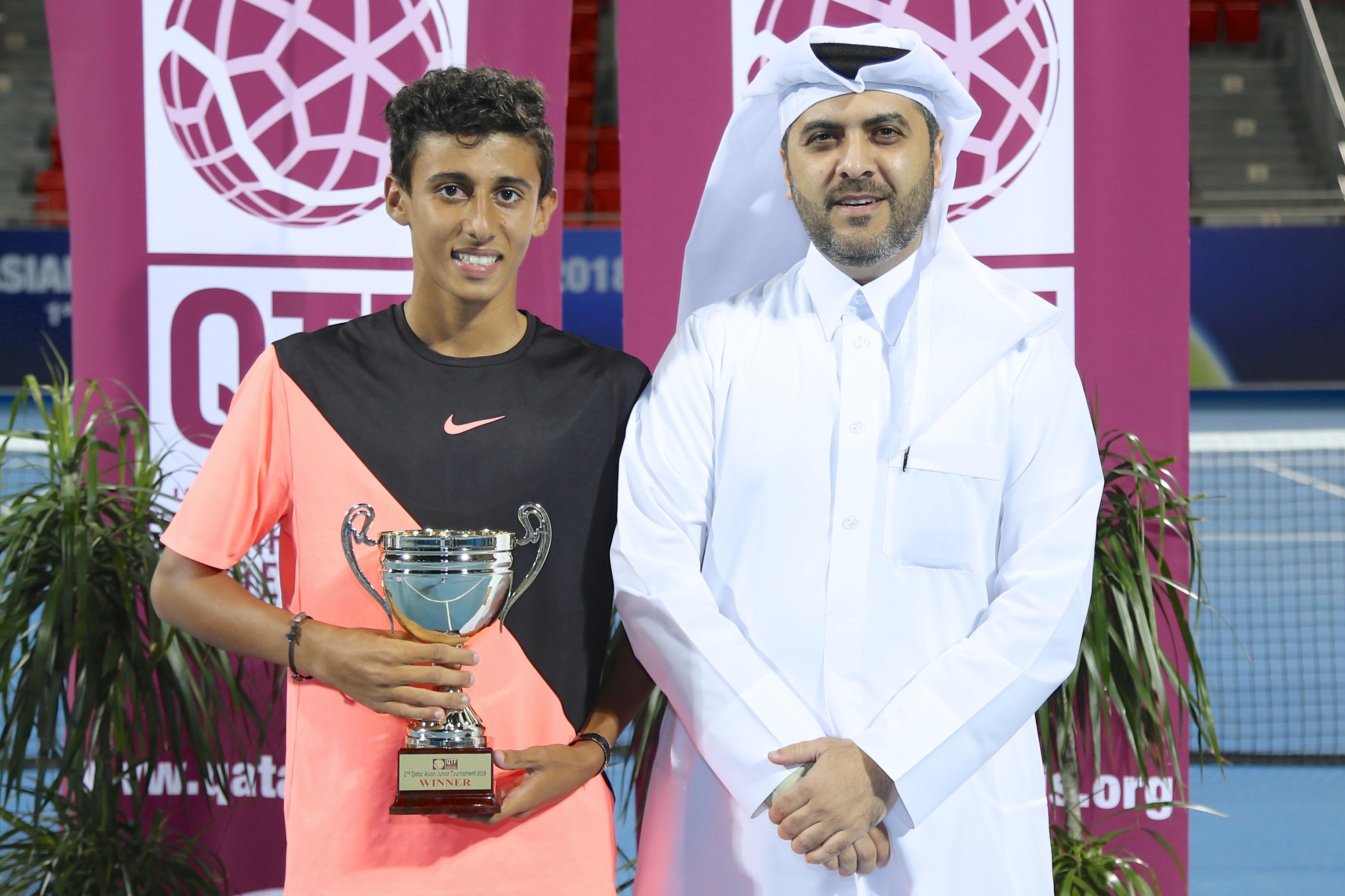 راشد نواف وناصر اليافعي يتوجان بلقبي فردي وزوجي بطولة قطر الآسيوية